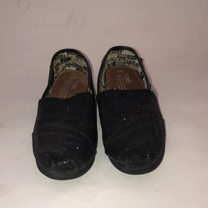 Girls Toms shoes